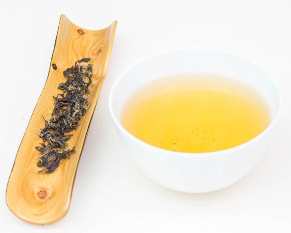 2016 Premium Oriental Beauty Oolong | Spitzen Gui Fei Cha mit ungerolltem Blatt