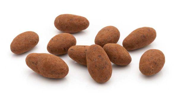 Trüffelmandeln mit Kakaopulver und Vollmilchschokolade