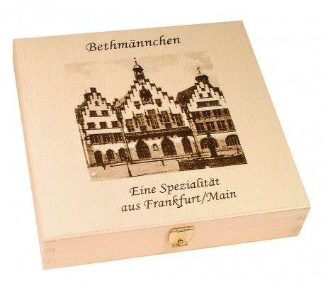 Frankfurter Bethmännchen in der Holzkiste