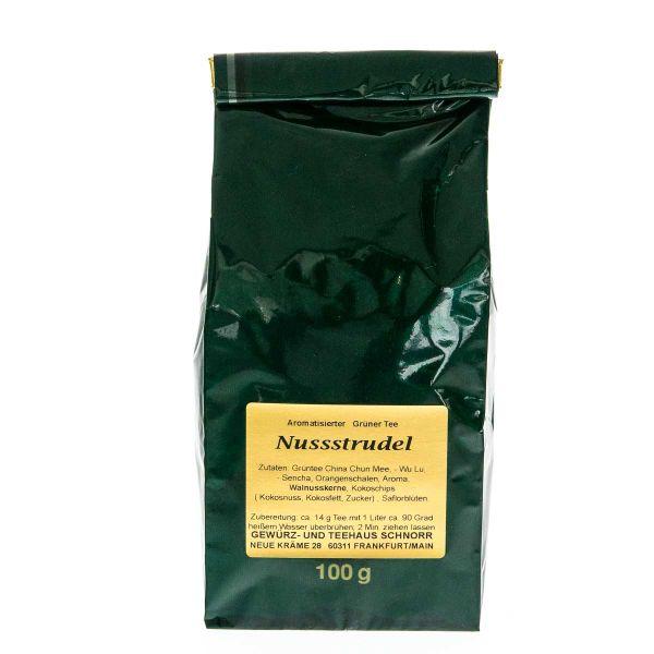 Grüner Tee Nussstrudel