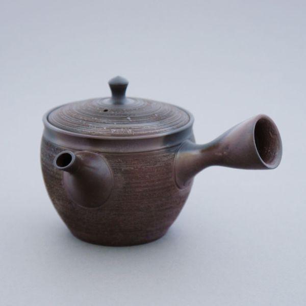 Teekanne (Kyusu) - klein, rotbraun gesprenkelt mit Tonsieb aus Tokoname